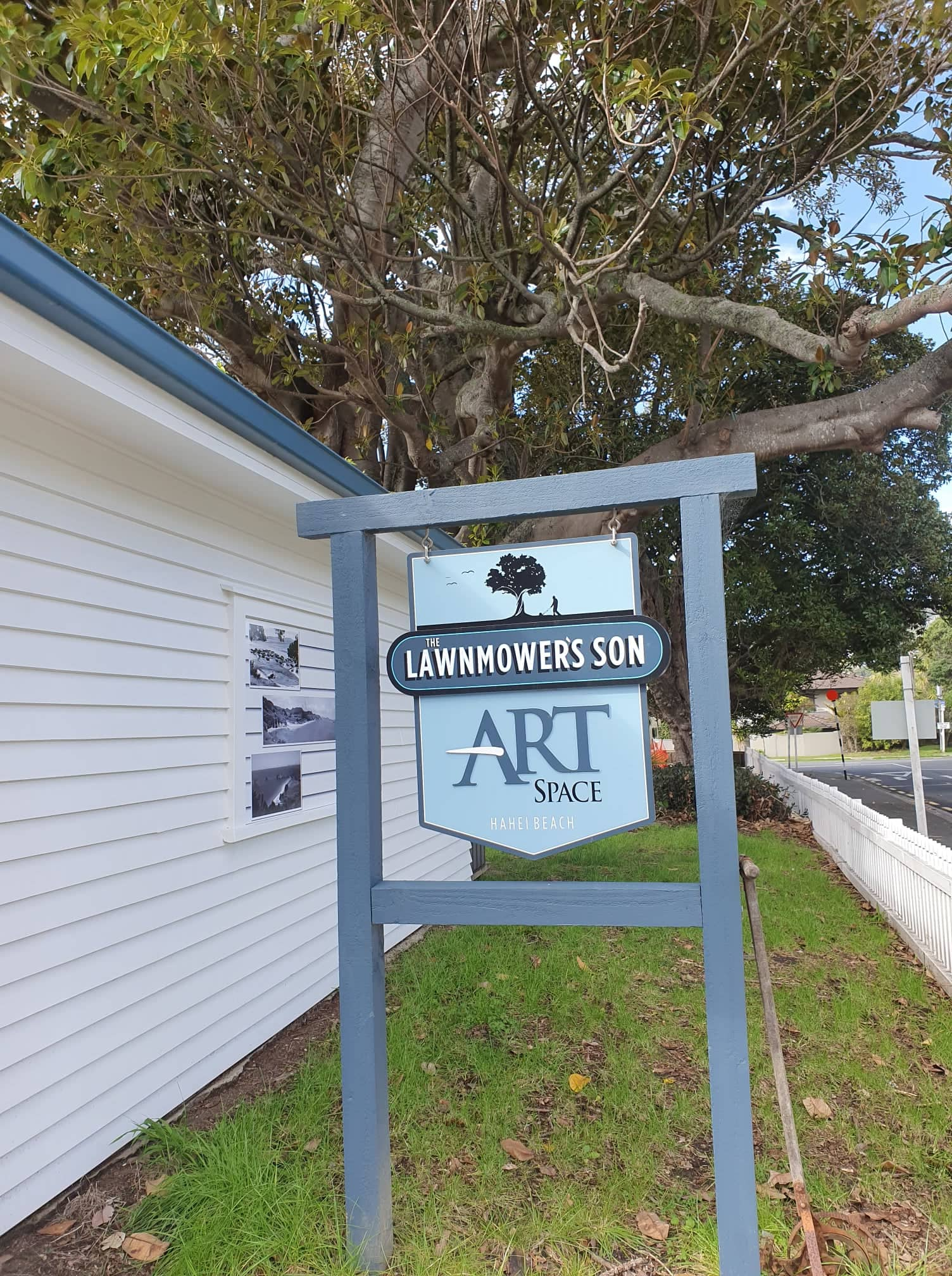 lawnmover Son Art Space - Hahei Holiday Homes